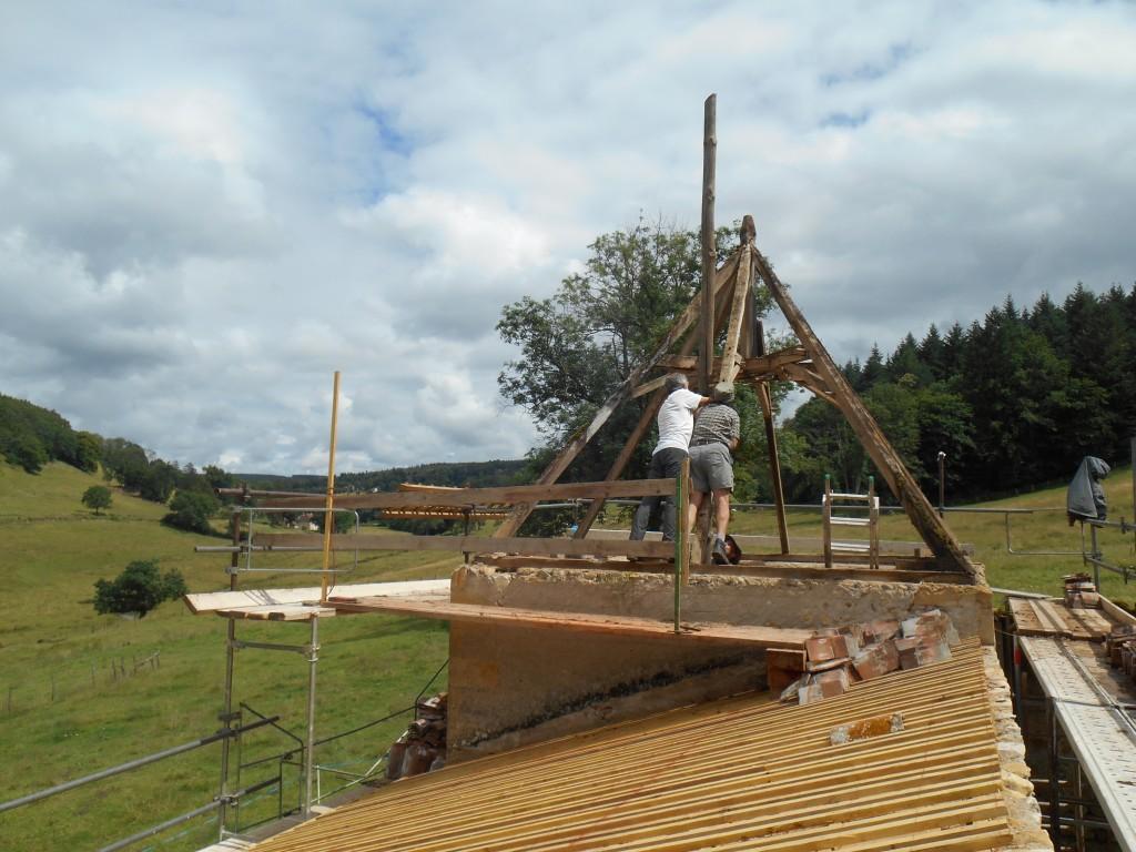 chantier St Martin étape 2 charpente/installation du mat