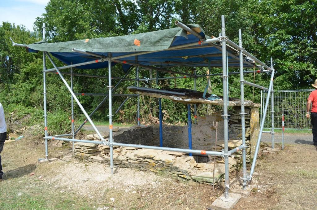 Suspension de la pierre du toit